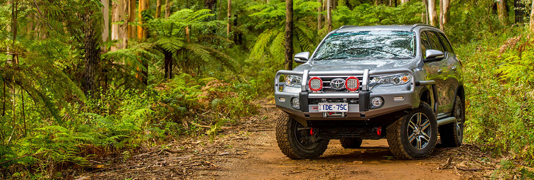 Arb 4 215 4 Accessories Arb Toyota Fortuner Summit Bar Side Rails And Steps